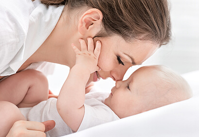 Koraszülött baba látogatása